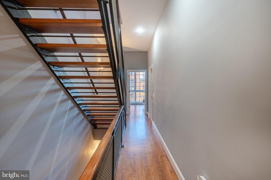 Third Floor Hallway - 1739 ALICEANNA ST, BALTIMORE