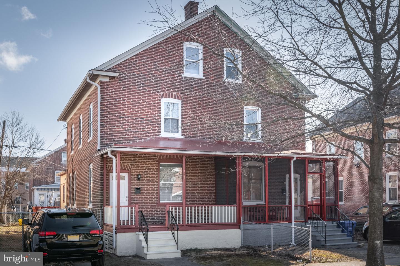 Single Family Homes por un Venta en 106 5TH Avenue Roebling, Nueva Jersey 08554 Estados Unidos