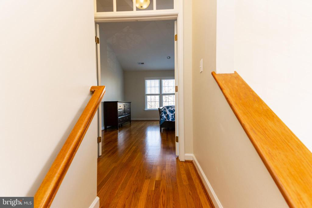 Step up to Master Suite - 1911 LOGAN MANOR DR, RESTON