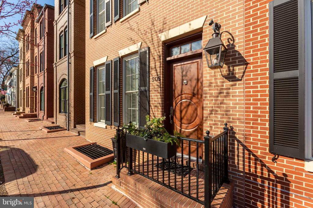 Great Old Town Location - 505 ORONOCO ST, ALEXANDRIA