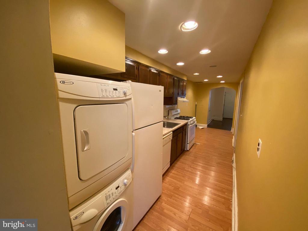 Kitchen/Laundry Area - 933 RANDOLPH ST NW #A, WASHINGTON