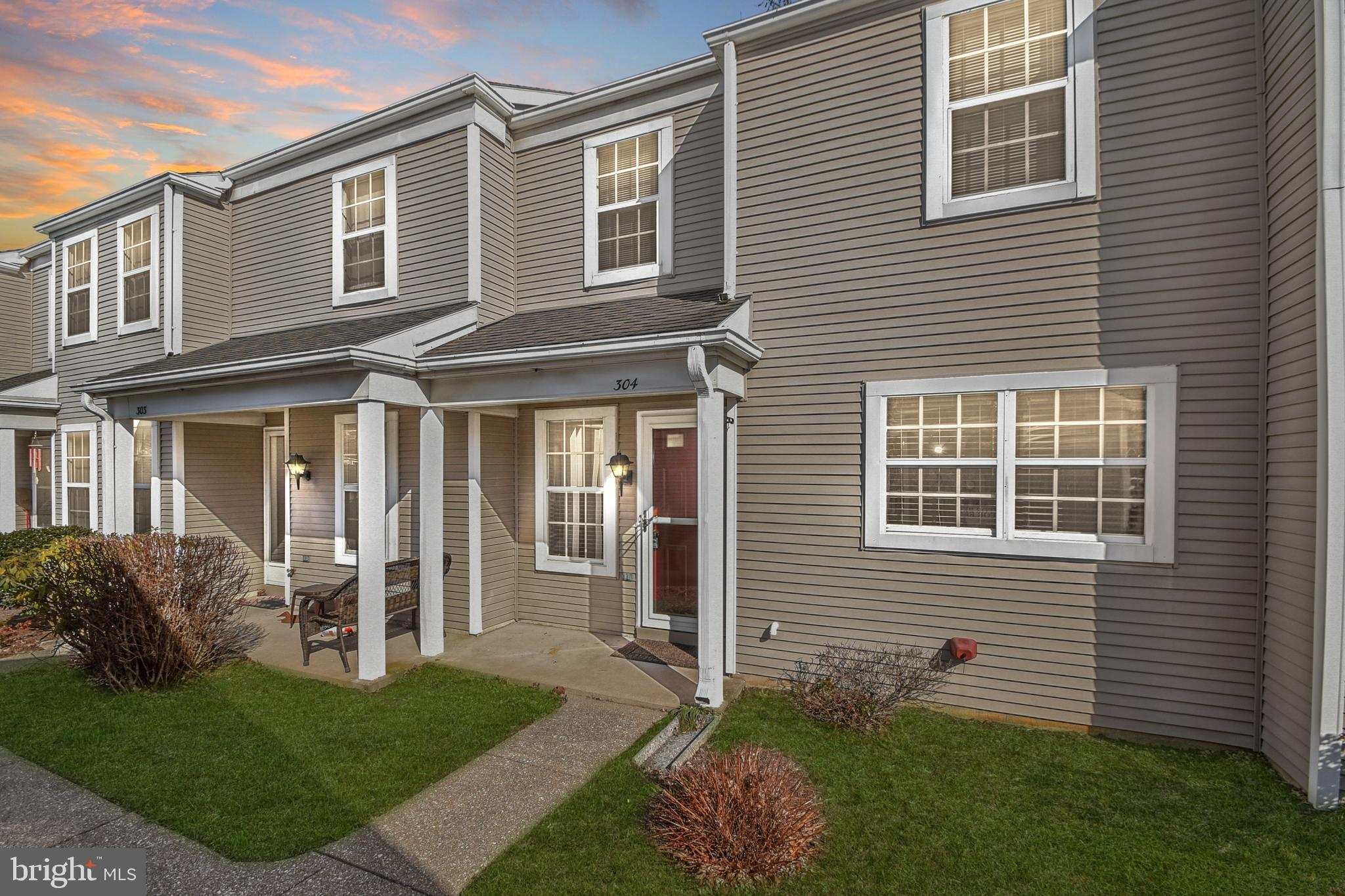 Beautiful, recently renovated townhome in Palmyra