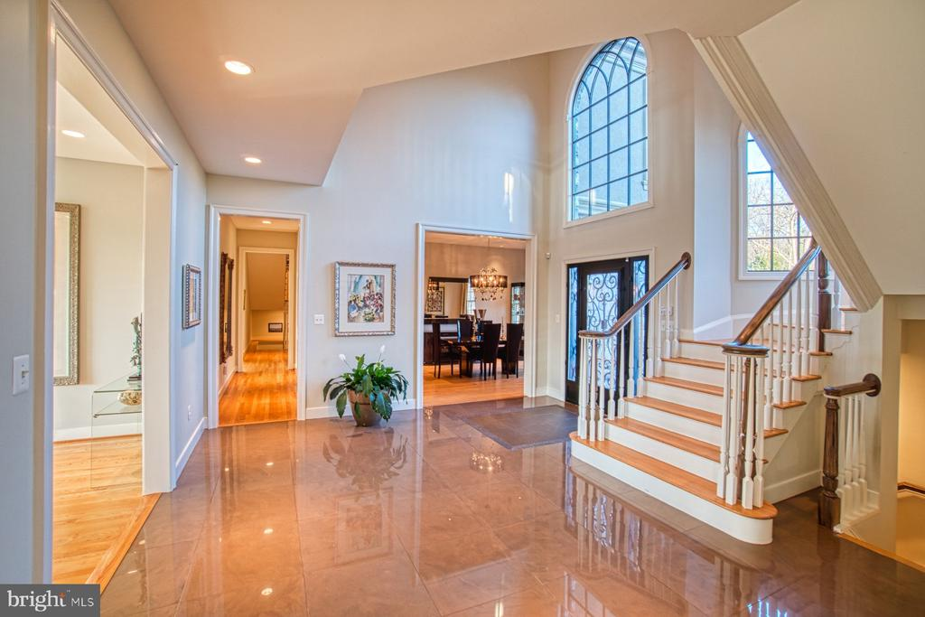 Superbly designed main entrance hallway - 40310 HURLEY LN, PAEONIAN SPRINGS