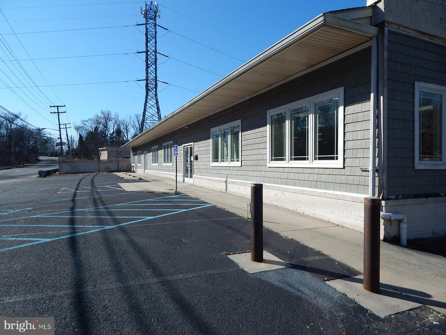 Additional photo for property listing at 460 N BLACK HORSE PIKE Blackwood, New Jersey 08012 Hoa Kỳ