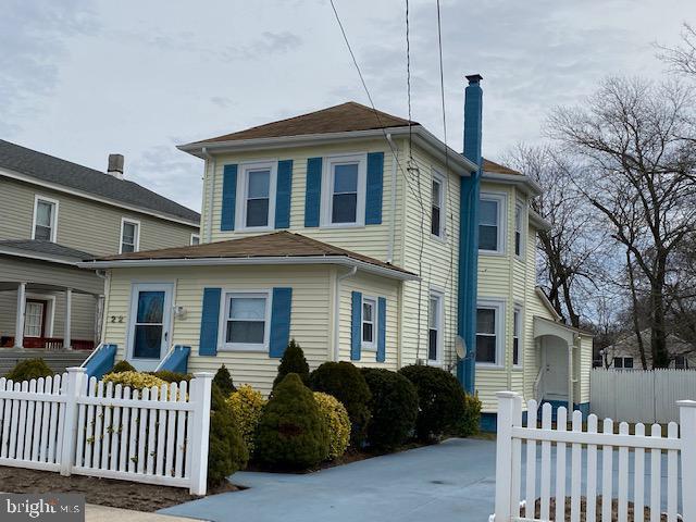 Single Family Homes para Venda às 22 4 TH ST N Pleasantville, Nova Jersey 08232 Estados Unidos