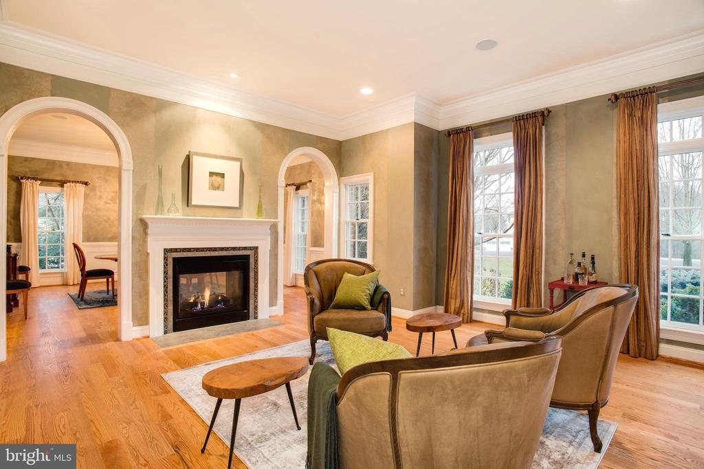Formal Living Room. Arched Entrances to Dining - 9110 DARA LN, GREAT FALLS