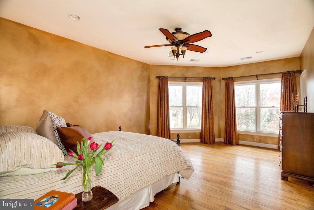 Second Floor En Suite Guest Bedroom - 9110 DARA LN, GREAT FALLS