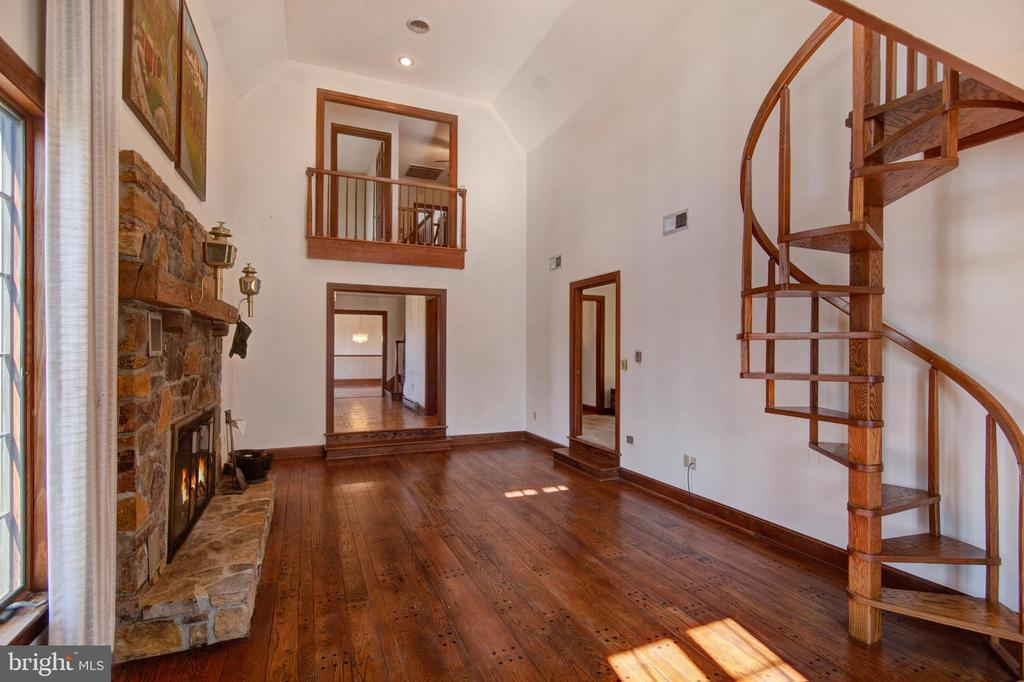 VIEW OF GREAT ROOM TO FOYER - 4616 OLD NATIONAL PIKE, MIDDLETOWN