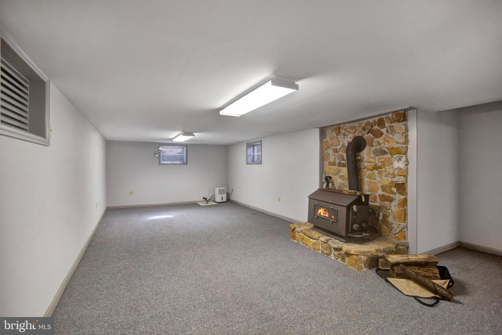 WOOD STOVE IN REC ROOM - 4616 OLD NATIONAL PIKE, MIDDLETOWN