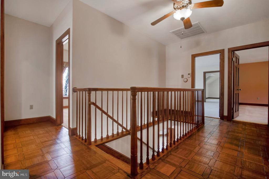 SECOND FLOOR HALL - 4616 OLD NATIONAL PIKE, MIDDLETOWN
