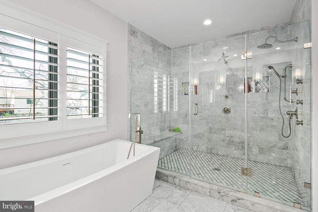 Photos Of Similar Home - 1720 N QUEBEC ST, ARLINGTON