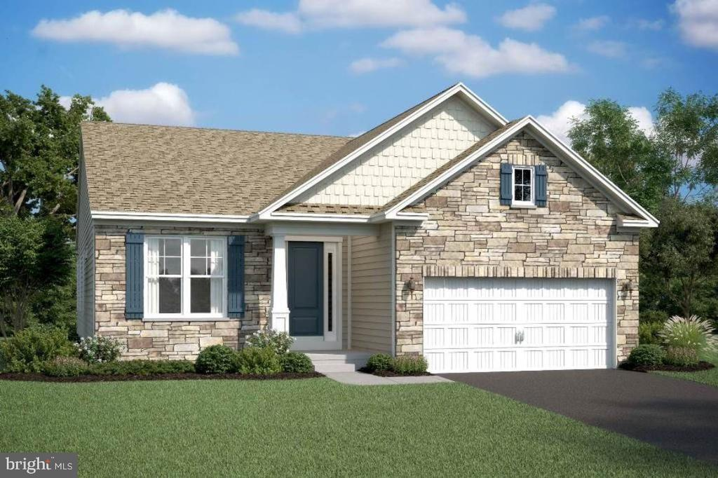 Eastwood D elevation with optional stone - 2006 DAMON DR, MOUNT AIRY