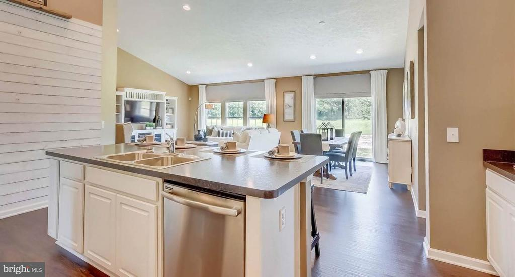 Open from kitchen~to dining and great room - 2006 DAMON DR, MOUNT AIRY