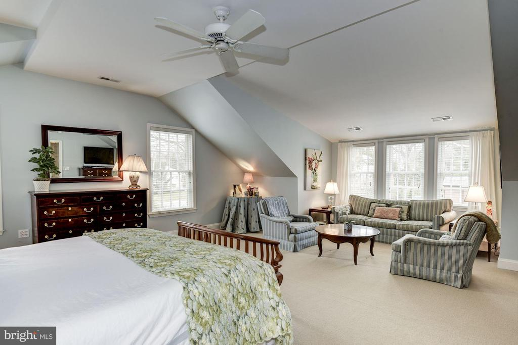 Master Bedroom Seating Area - 7600 GLENDALE RD, CHEVY CHASE