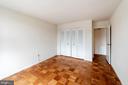 second bedroom - 10401 GROSVENOR PL #527, ROCKVILLE