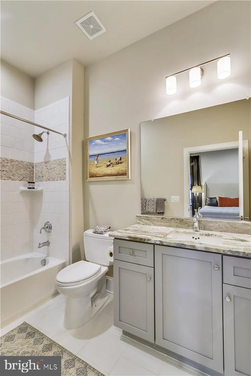 Ensuite Full Bath #3, Level 3 - 44665 BRUSHTON TER, ASHBURN