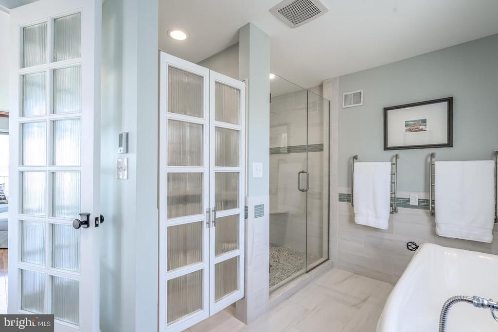 Repurposed diffused glass panels in custom door - 4921 E CHALK POINT RD, WEST RIVER