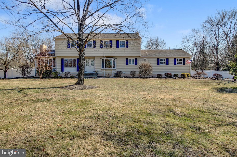 Property для того Продажа на Pennington, Нью-Джерси 08534 Соединенные Штаты