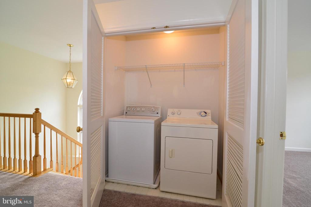 Upper-Level Laundry - 19204 SWEIG TER, LEESBURG