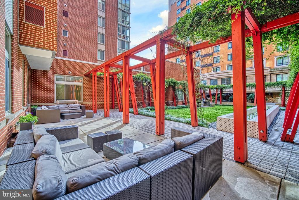 Outdoor Patio Terrazo - 1000 NEW JERSEY AVE SE #606, WASHINGTON