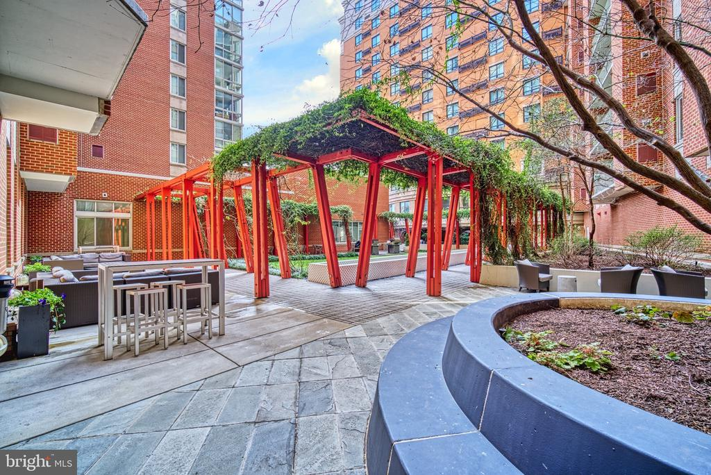 Patio Terrace Area - 1000 NEW JERSEY AVE SE #606, WASHINGTON