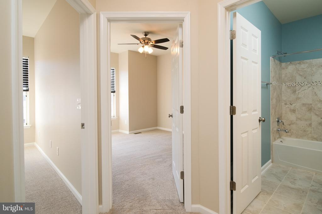 1ST AND SECOND BEDROOMS WITH SHARED BATH - 45002 GRADUATE TER, ASHBURN