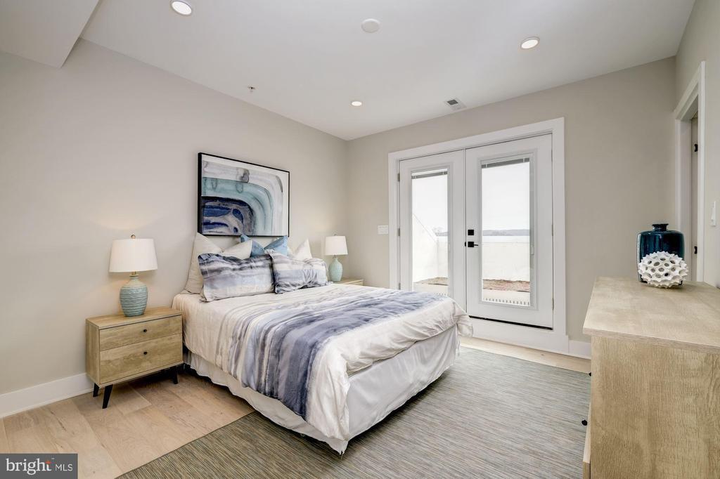 Second master bedroom with en-suite master bath - 1821 I STREET NE #11, WASHINGTON