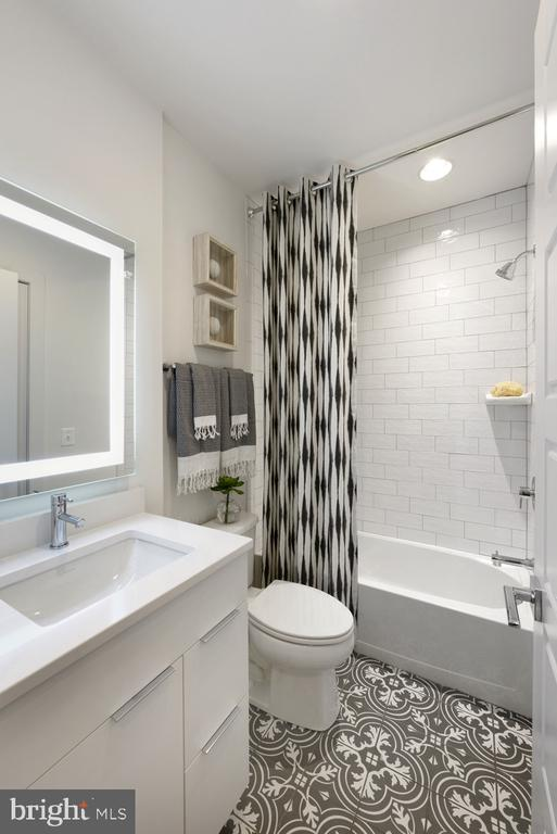 Guest Bath #4 - 1015 D ST NE #A, WASHINGTON