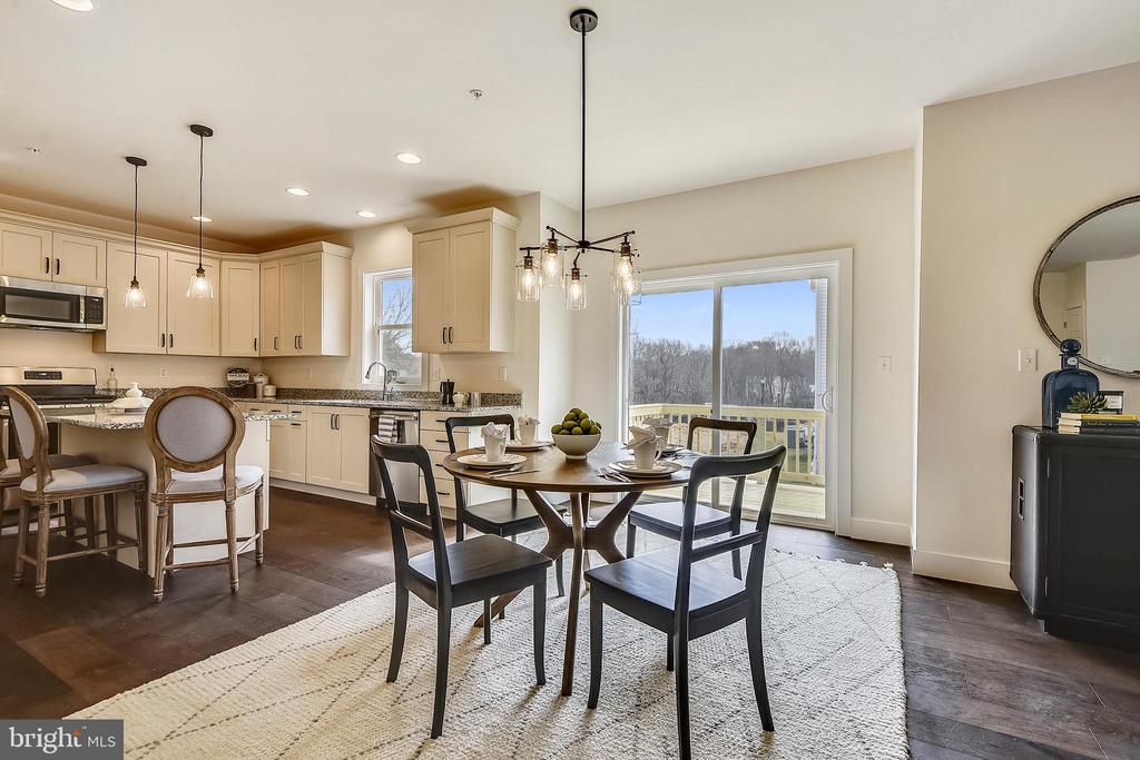 Enter the open floor plan. - 18609 STRAWBERRY KNOLL RD, GAITHERSBURG