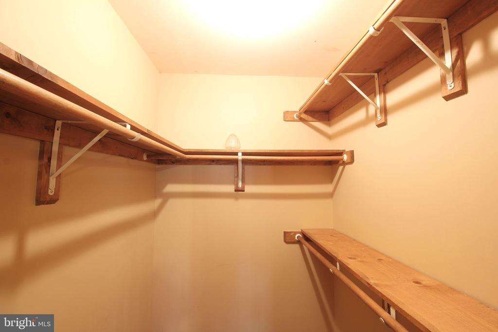 Master Walk-in Closet - 117 GREEN ST, LOCUST GROVE