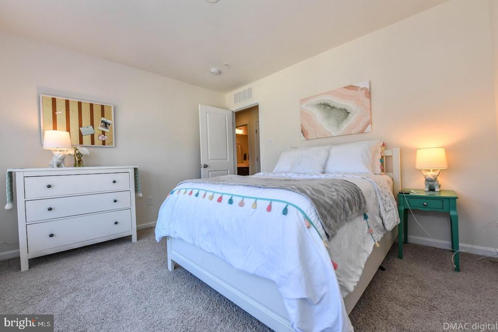 Bedroom 2. - 6854 E SHAVANO RD, NEW MARKET