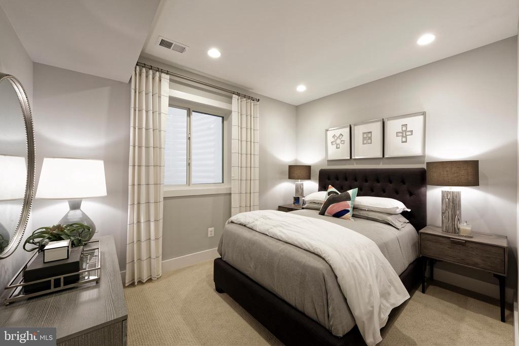Guest bedroom #4 with 4th full bathroom - 1015 D ST NE #B, WASHINGTON