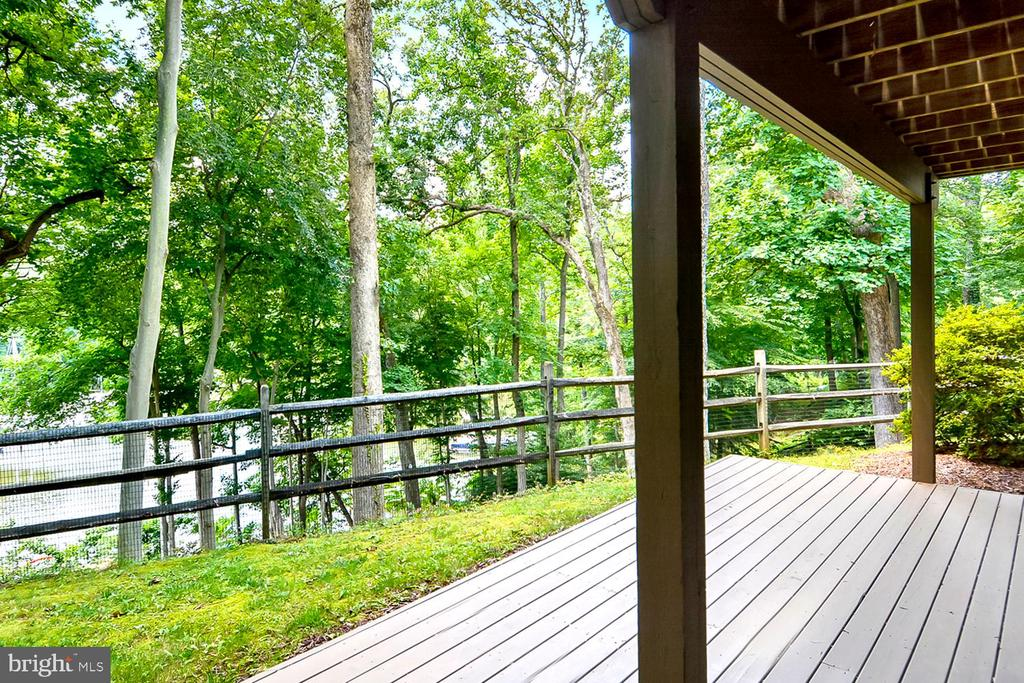 Walk-Out to Lower Deck for Barbecues & Picnics - 1584 LANCASTER GRN, ANNAPOLIS