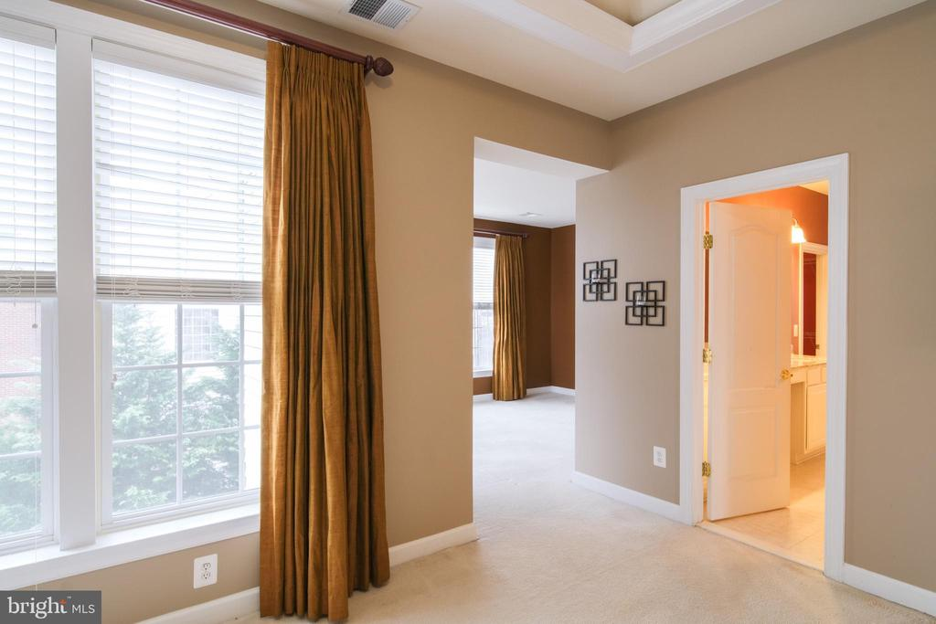 Master bedroom connecting to sitting room - 13299 SCOTCH RUN CT, CENTREVILLE