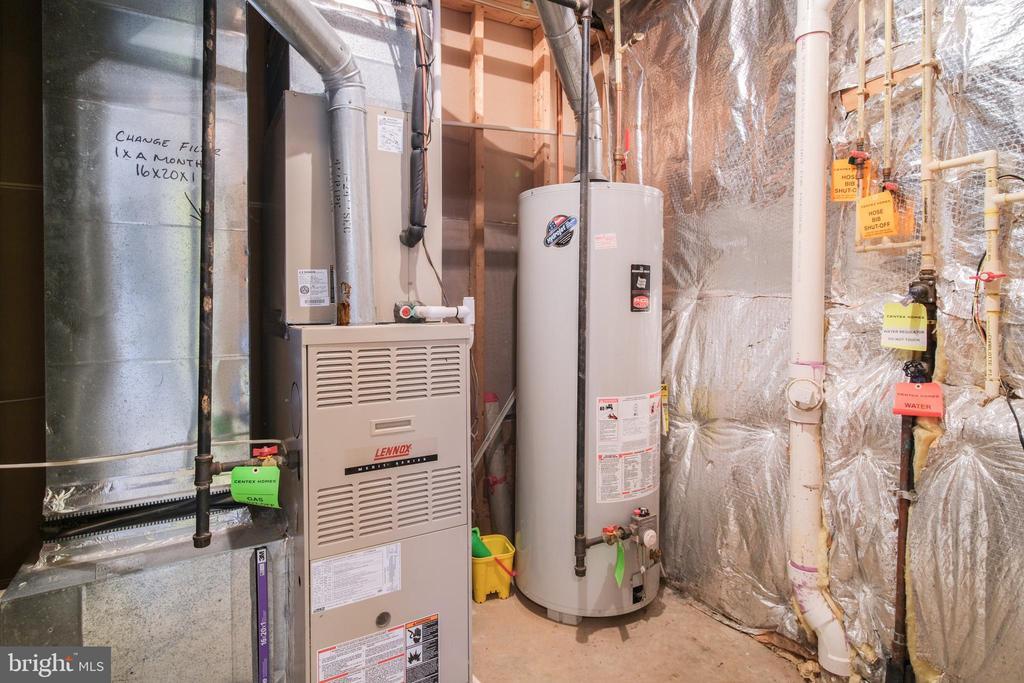 Utility room - 13299 SCOTCH RUN CT, CENTREVILLE
