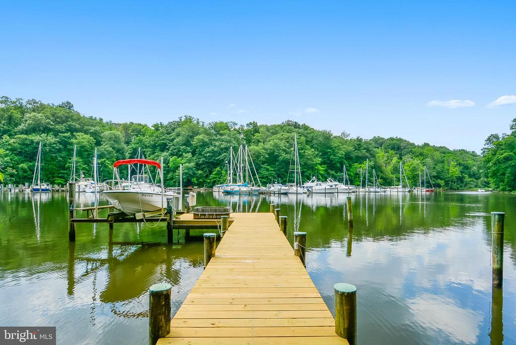 Go Fishing Along Your Deep Water Pier with Lift - 1584 LANCASTER GRN, ANNAPOLIS