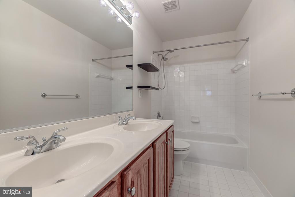 Hall Bath - 6317 ZEKAN LN, SPRINGFIELD