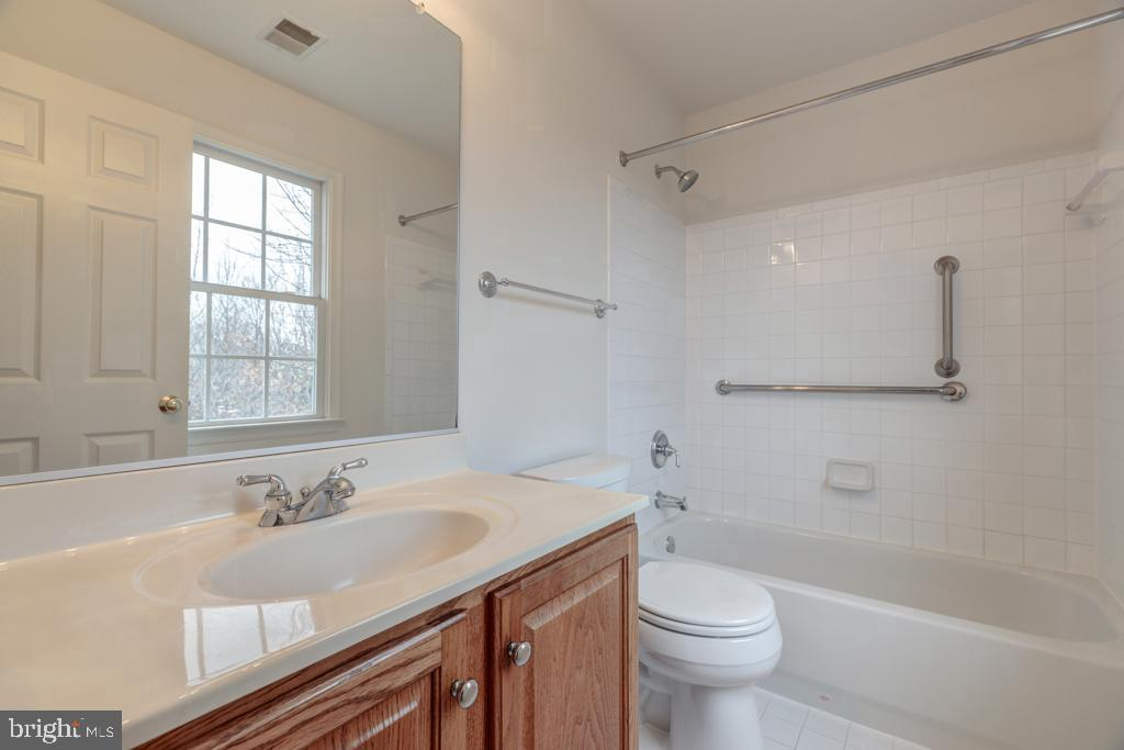 Master Bedroom 1 Bath - 6317 ZEKAN LN, SPRINGFIELD