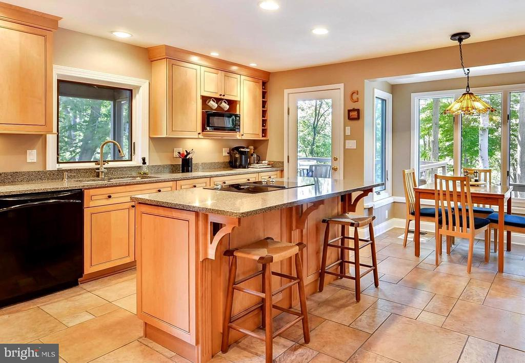 Formal and Casual Dining and Entertaining Areas - 1584 LANCASTER GRN, ANNAPOLIS