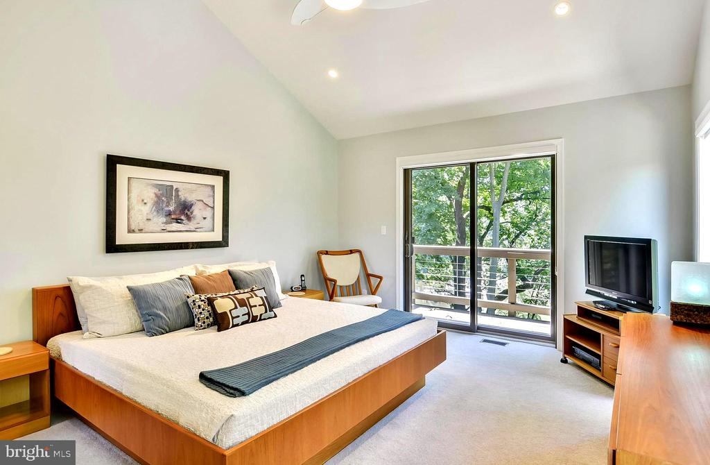 2nd Vaulted Master Suite with Water View Deck - 1584 LANCASTER GRN, ANNAPOLIS