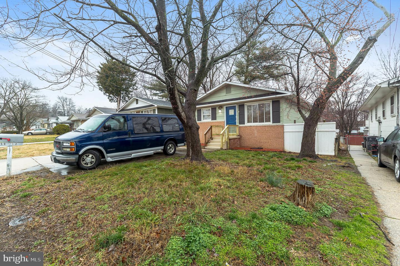 Single Family Homes por un Venta en 5012 LINCOLN Avenue Beltsville, Maryland 20705 Estados Unidos