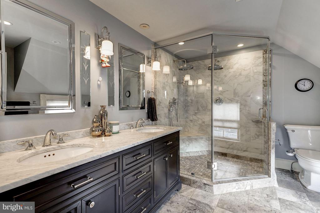 Master Bathroom - 900 PARK AVE, FALLS CHURCH