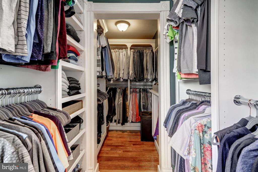Master walk in closets with Built Ins - 900 PARK AVE, FALLS CHURCH