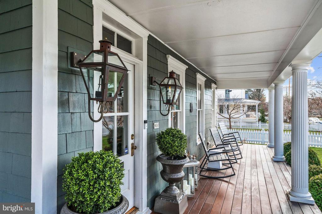 Wrap around Porch - 900 PARK AVE, FALLS CHURCH