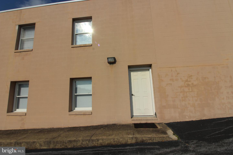 Additional photo for property listing at  Edinburg, Virginia 22824 Hoa Kỳ