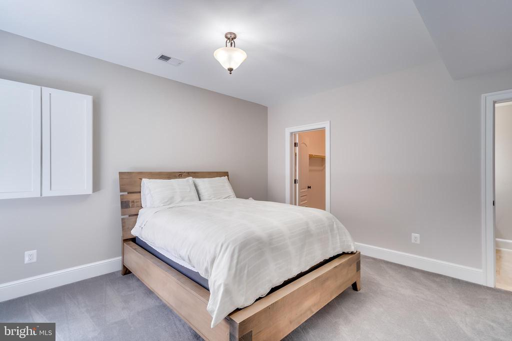 Basement Bedroom - 6704 LUPINE LN, MCLEAN