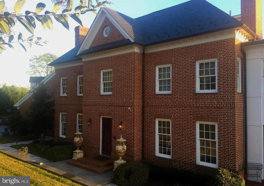 Solid brick home - 1932 CARROLLTON RD, ANNAPOLIS