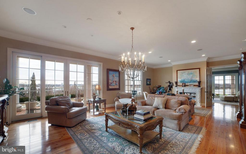 Magnificent Open Flow Kitchen/Living Room - 1932 CARROLLTON RD, ANNAPOLIS