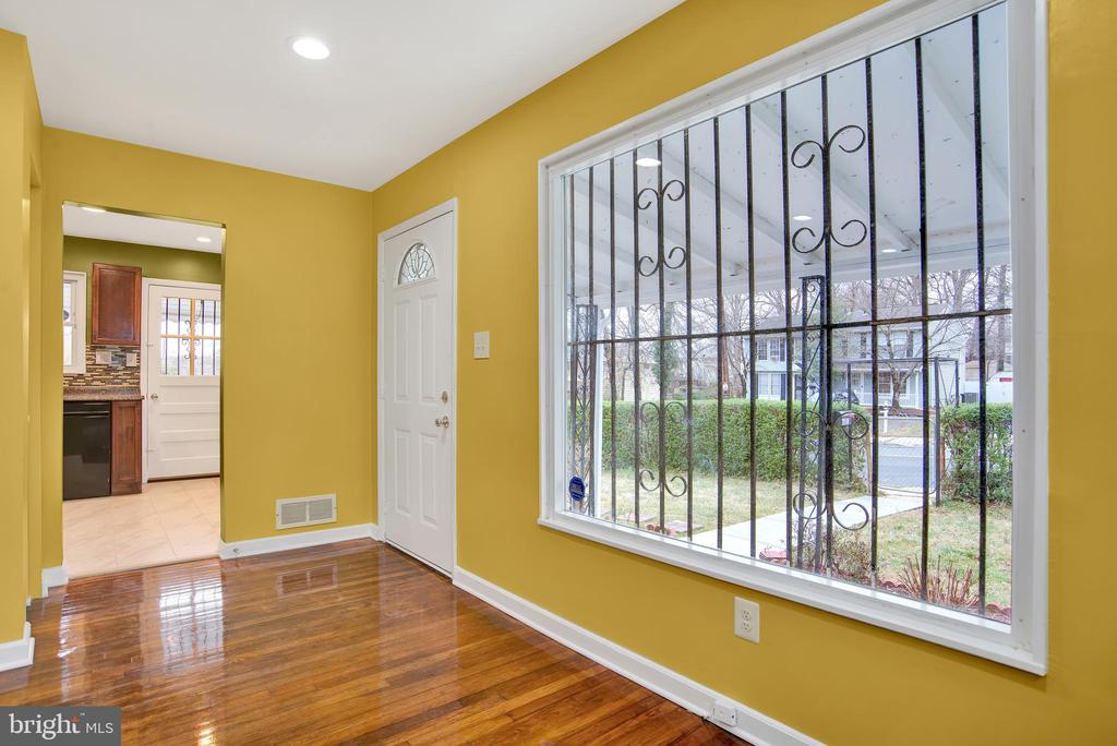 Cozy, inviting front entry - 6601 SEAT PLEASANT DR, CAPITOL HEIGHTS