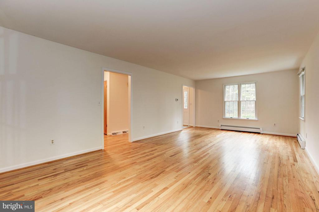 Living Room - 12901 JESSE SMITH RD, MOUNT AIRY